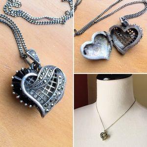 Vintage 925 sterling marcasite onyx heart locket